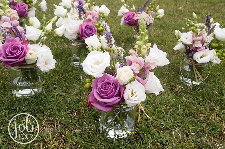 /Decoration-florale-vintage-lilas-parme-violet-mariage-domaine-du-griffier-niort-poitiers-angouleme