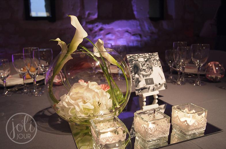 Fleuriste-mariage-Poitiers-Tours-Chatellerault-l-Armandiere-avis-centre-de-table-boule-aquarium-callas-blancs
