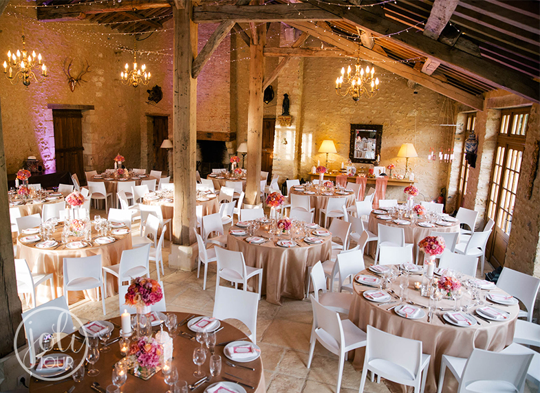 Decoration-mariage-lin-taupe-beige-corail-moderne-design-chic-wedding ...