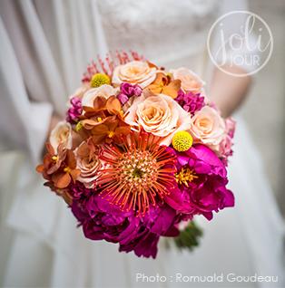 joli-jour-bouquet-de-mariee-bridal-bouquet-tutti-frutti-exotic-tropical-peche-fushia-jaune-orange