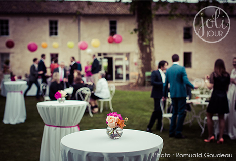 joli-jour-decoratrice-de-mariage-cocktail-tutti-frutti-multicolore-location-mange-debout-poitiers-niort-tours