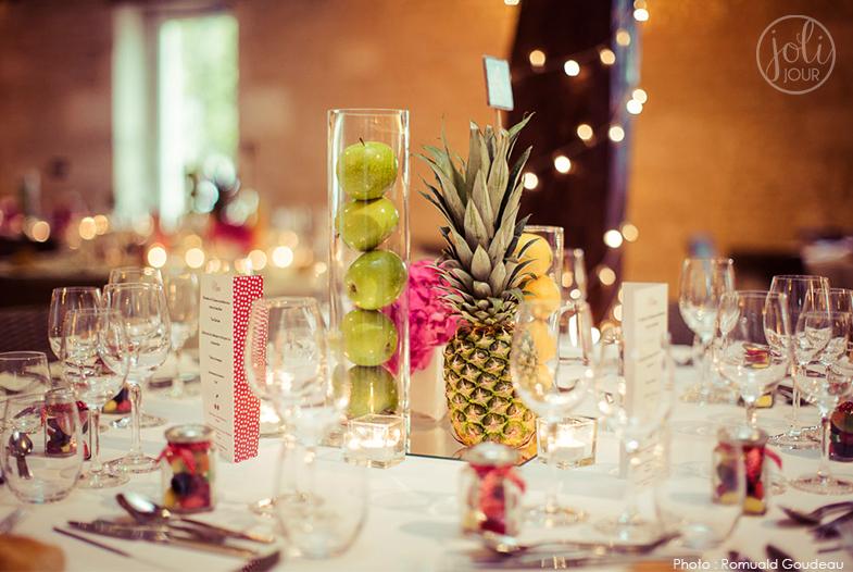 joli-jour-decoratrice-de-mariage-centre-de-table-tutti-frutti-multicolore-fruits-wedding-centerpiece